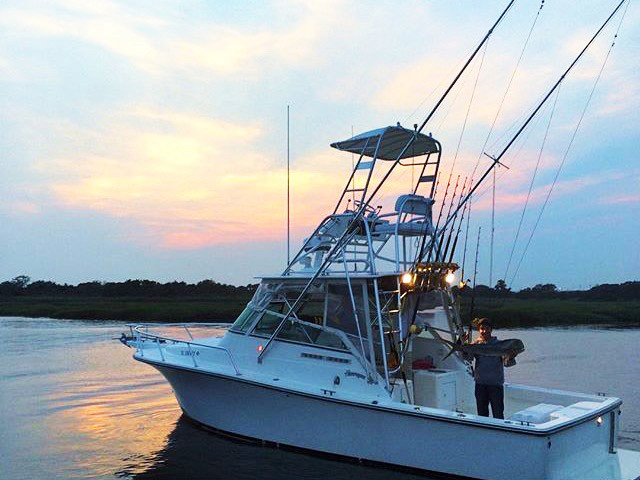 2004 used henriques express sportfish sports fishing boat for Express fishing boats for sale