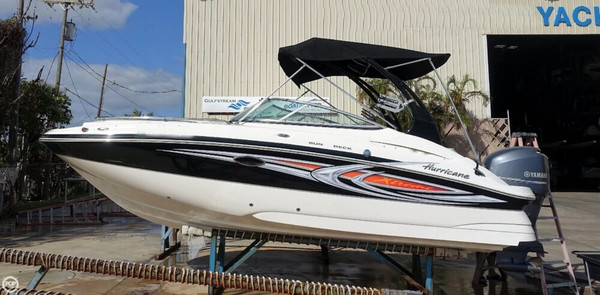 Used Hurricane SD2200 Xtreme Ski and Wakeboard Boat For Sale