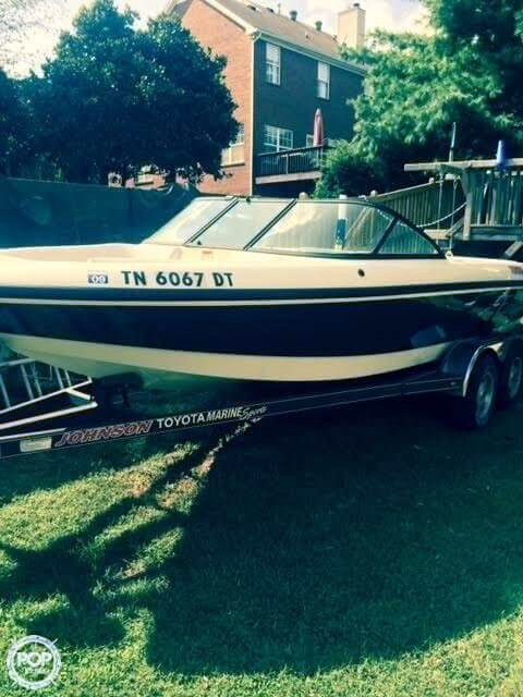 Used Epic S22 Bowrider Boat For Sale