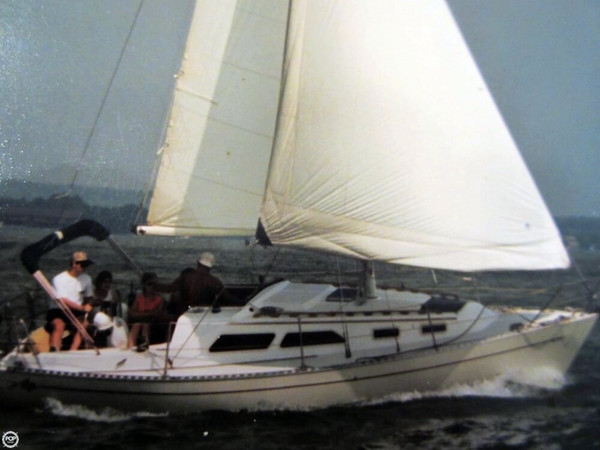 Used Islander 28 Racer and Cruiser Sailboat For Sale
