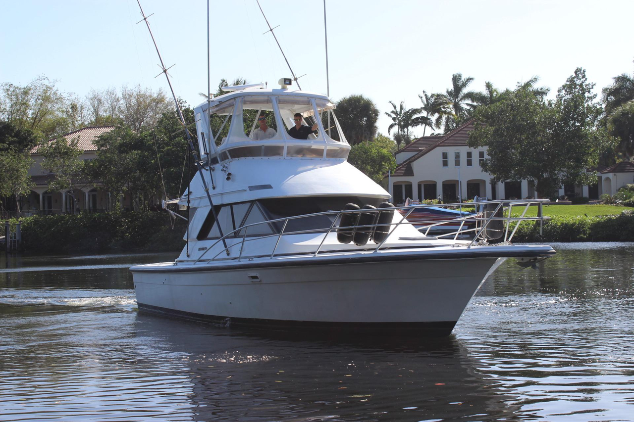 1991 used phoenix 38 sfx convertible fishing boat for sale for Fishing boats for sale