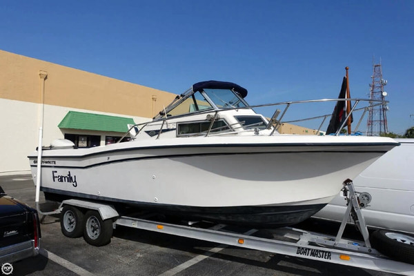 Used Grady-White 228 Seafarer Walkaround Fishing Boat For Sale