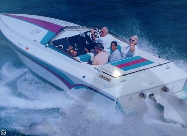 Used Challenger V-24 High Performance Boat For Sale