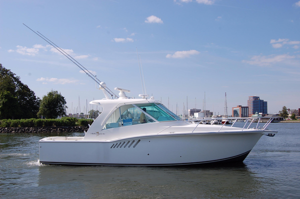 Used Albemarle 360 Enclosed Express Fish Express Cruiser Boat For Sale