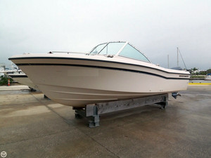 Used Grady-White 225 Tournament with 2014 4-stroke Runabout Boat For Sale