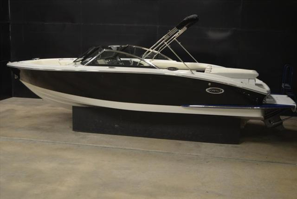 New Cobalt Boats CS3 Ski and Wakeboard Boat For Sale