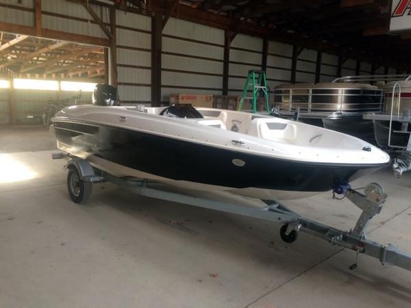 New Bayliner Element XL Bowrider Boat For Sale