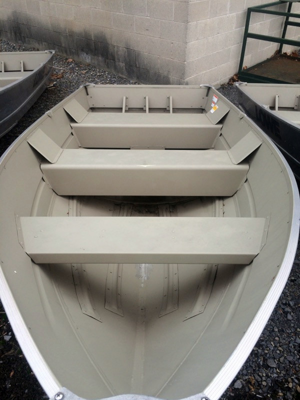 New Lowe V1257 Sports Fishing Boat For Sale