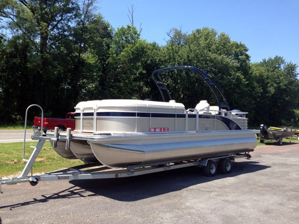 New Bennington 2375 GCW Sport Arch - Deluxe TriToon w/ Sport Arch Pontoon Boat For Sale