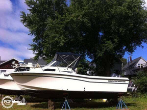 Used Grady-White 226 Seafarer Walkaround Fishing Boat For Sale