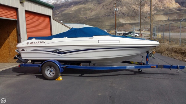 Used Larson SEI 180 Sport Bowrider Boat For Sale