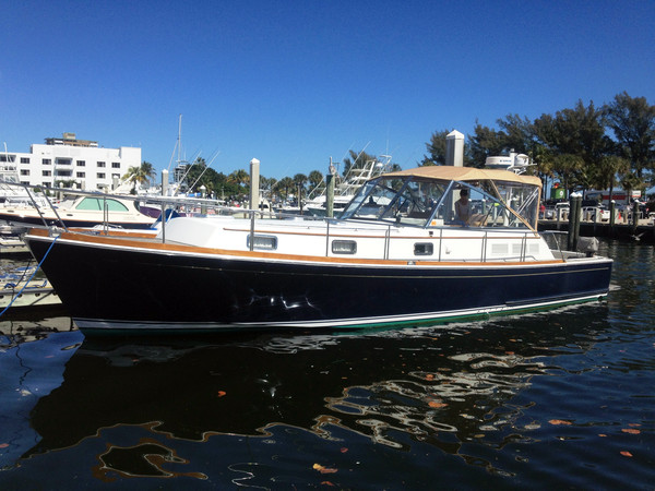 Used Grand Banks 43 Eastbay Ex Express Cruiser Boat For Sale