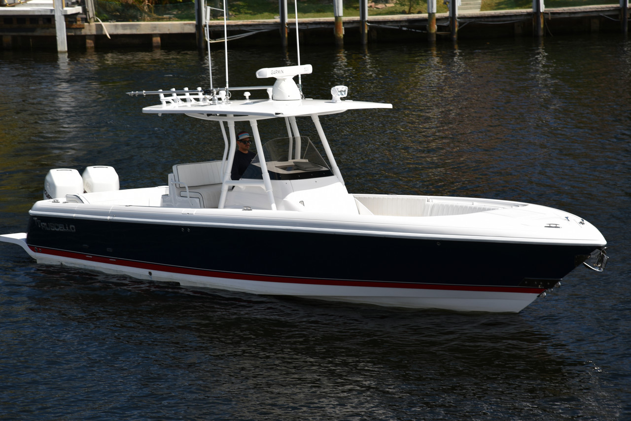 2011 used intrepid center console fishing boat for sale