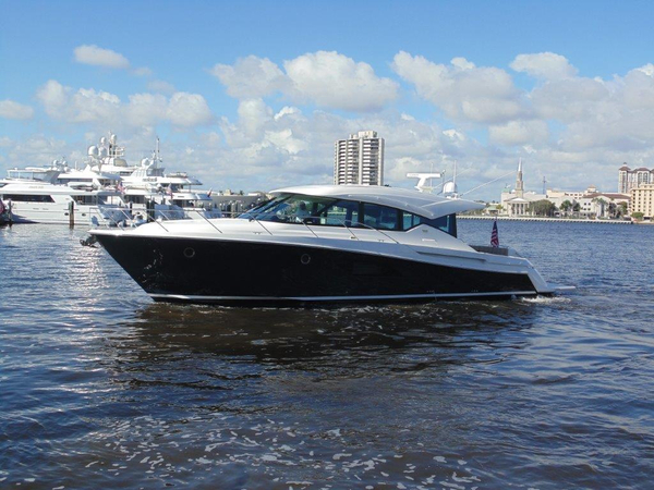 Used Tiara 5000 Coupe Express Cruiser Boat For Sale