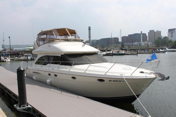 Used Meridian 411 Flybridge Boat For Sale