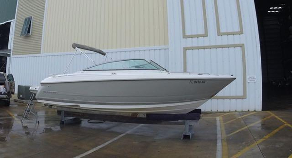 Used Monterey 234FS Bowrider Boat For Sale