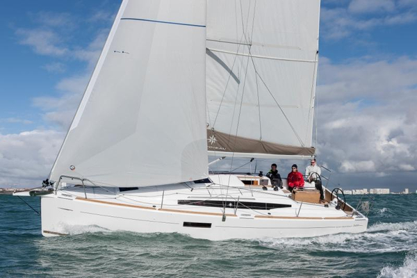 Used Jeanneau 349 Sun Odyssey Racer and Cruiser Sailboat For Sale