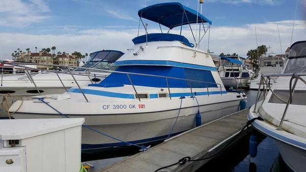 Used Bayliner 30 FB Motor Yacht For Sale