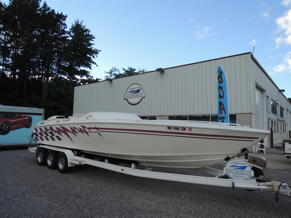 Used Saber 28 Cyclone High Performance Boat For Sale