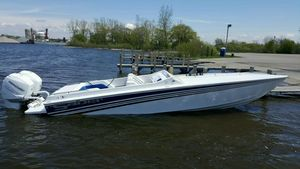 New Saber 28 Outboard High Performance Boat For Sale