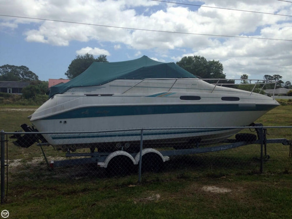 Used Sea Ray 230 Sundancer LTD Express Cruiser Boat For Sale