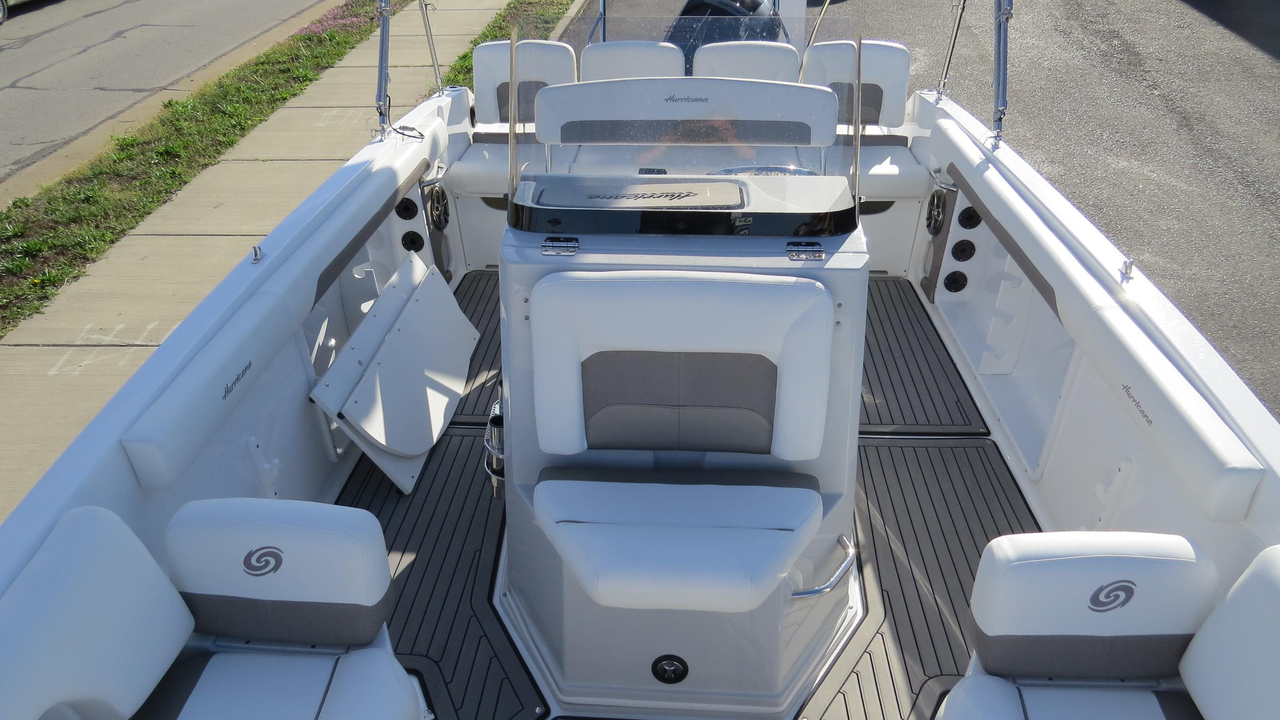 2016 New Hurricane Center Console 19 Ob Deck Boat For Sale