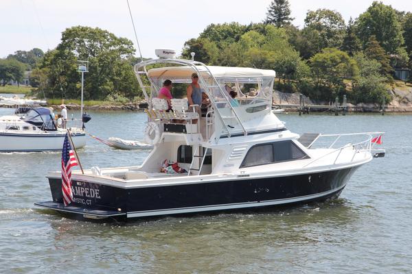 Used Blackfin 33 Flybridge Boat For Sale