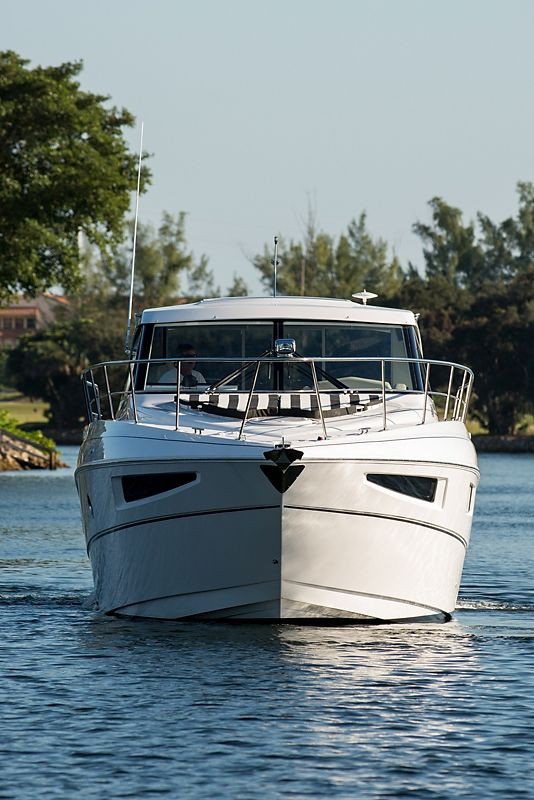New Cruisers Yachts Cantius Cruiser Boat For Sale