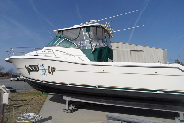 Used Pursuit 3070 Offshore Center Console Sports Fishing Boat For Sale