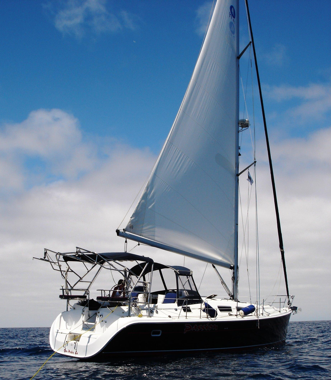 2004 Used Hunter 41 Cruiser Sailboat For Sale