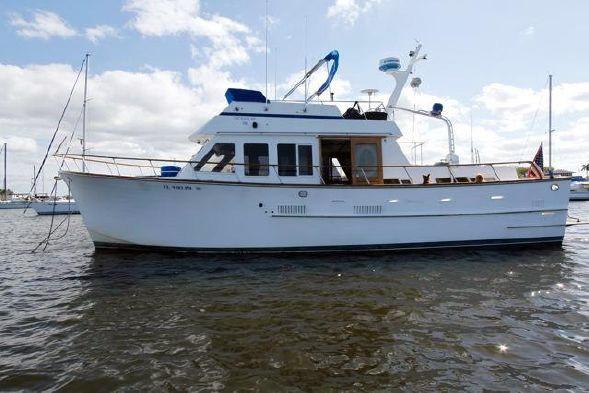 Used Ocean Alexander 43 Cruiser Boat For Sale