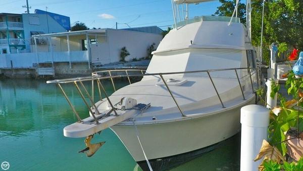 Used Bertram 33 Flybridge Cruiser Sports Fishing Boat For Sale