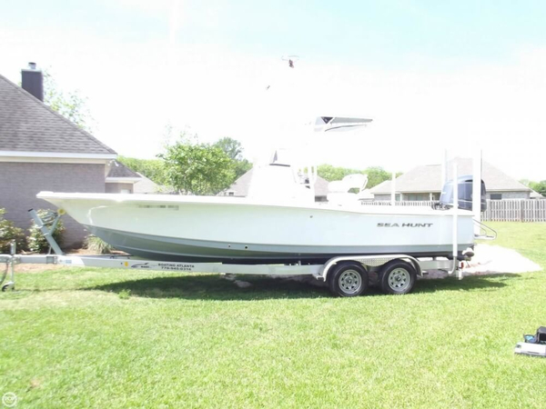 Used Sea Hunt BX 24 BR Bay Boat For Sale