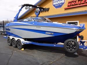 New Malibu Boats M235 Cruiser Boat For Sale