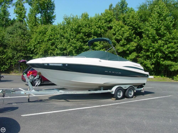 Used Maxum 2300 Sport Cruiser Boat For Sale