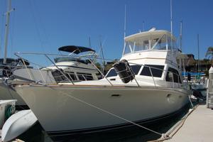 Used Ocean Sunliner Flybridge Boat For Sale