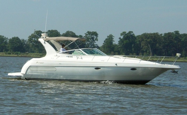 Used Cruisers Yachts 3575 Express Cruiser Boat For Sale