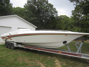 Used Fountain 35 Lightning Classic High Performance Boat For Sale