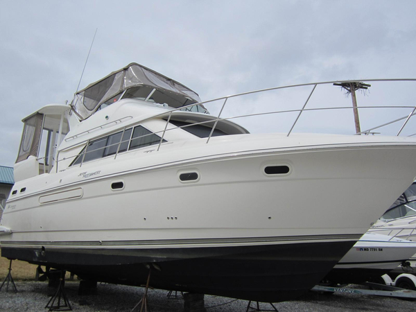 Used Cruisers Yachts 375 Motor Yacht Cruiser Boat For Sale