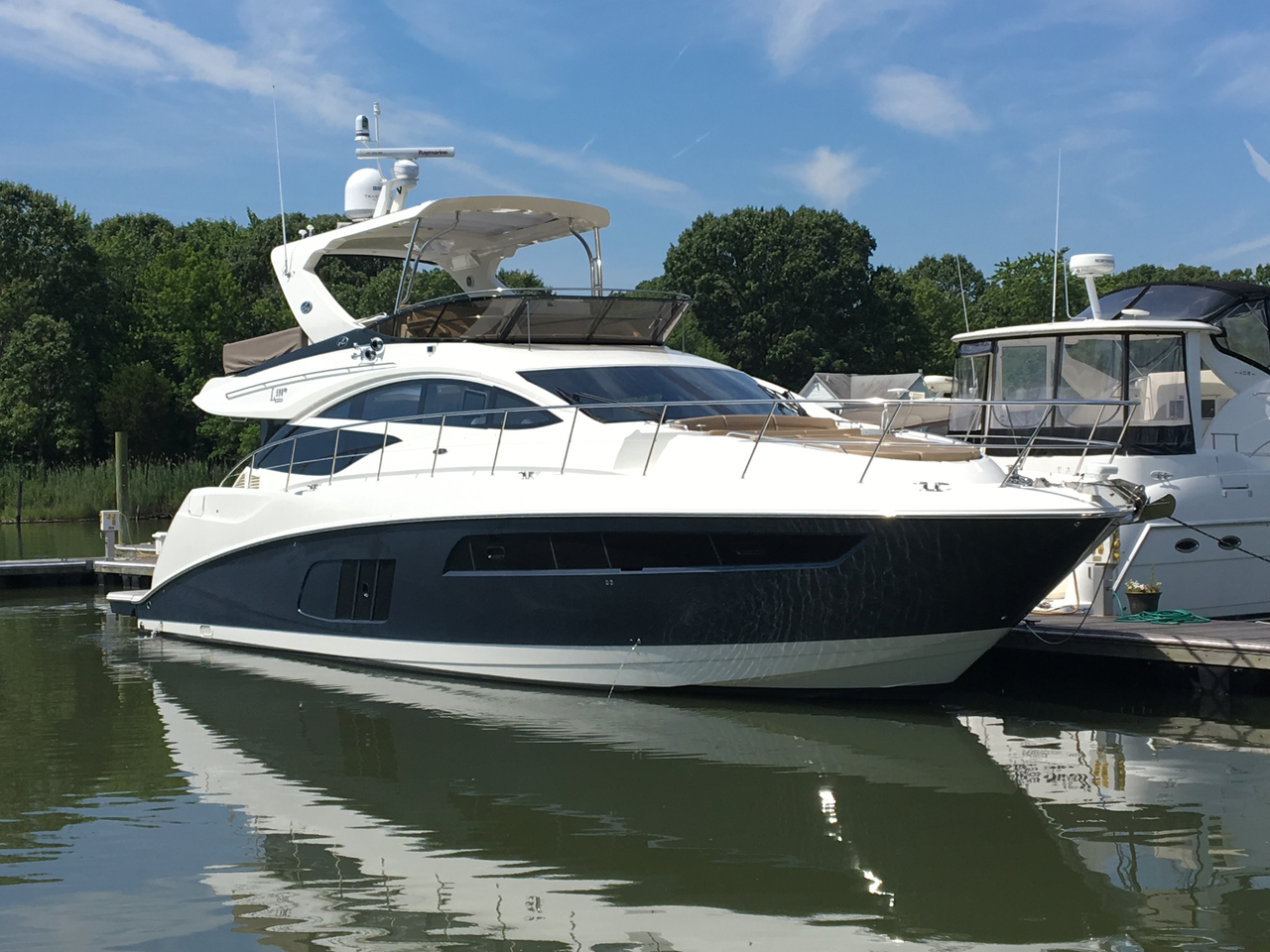 2017 new sea ray l590 fly motor yacht for sale chester for Sea ray motor yacht for sale