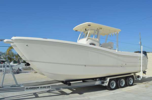 New World Cat 295CC Center Console Power Catamaran Boat For Sale