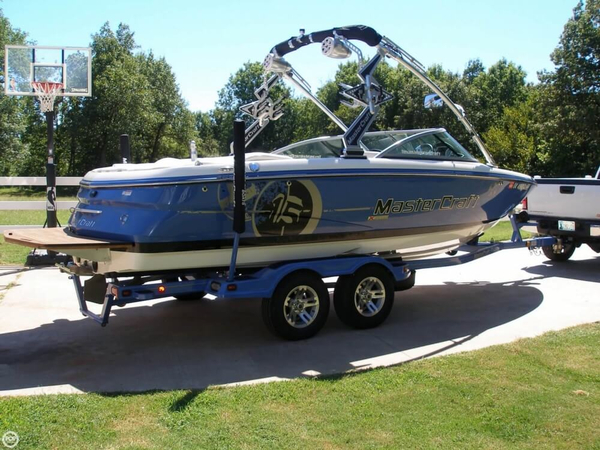 Used Mastercraft X-15 SS Ski and Wakeboard Boat For Sale