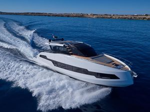 New Astondoa 655 Coupe Express Cruiser Boat For Sale