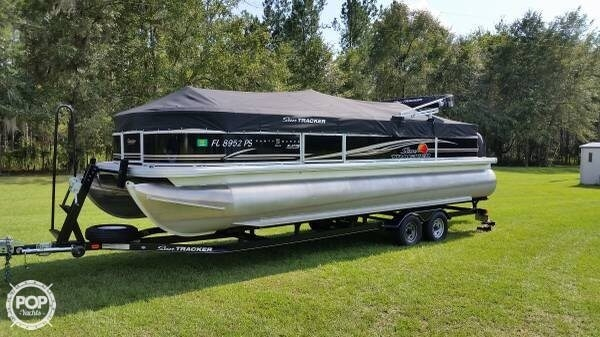 Used Sun Tracker Party Barge 24 DLX XP3 Tritoon Pontoon Boat For Sale
