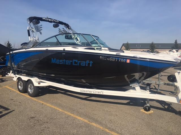 Used Mastercraft X-55 Ski and Wakeboard Boat For Sale