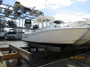 Used Everglades 230 CC Center Console Fishing Boat For Sale