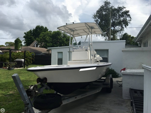 Used Dusky Marine 217 RLD Bayshark Bay Boat For Sale