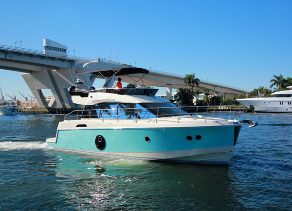 New Monte Carlo 4 by Beneteau Flybridge Boat For Sale