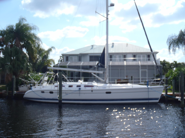 Used Hunter 466 Freshwater w/Thruster Sloop Sailboat For Sale