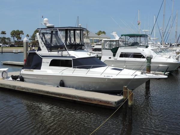 Used Chris-Craft Sport Sedan Flybridge Boat For Sale